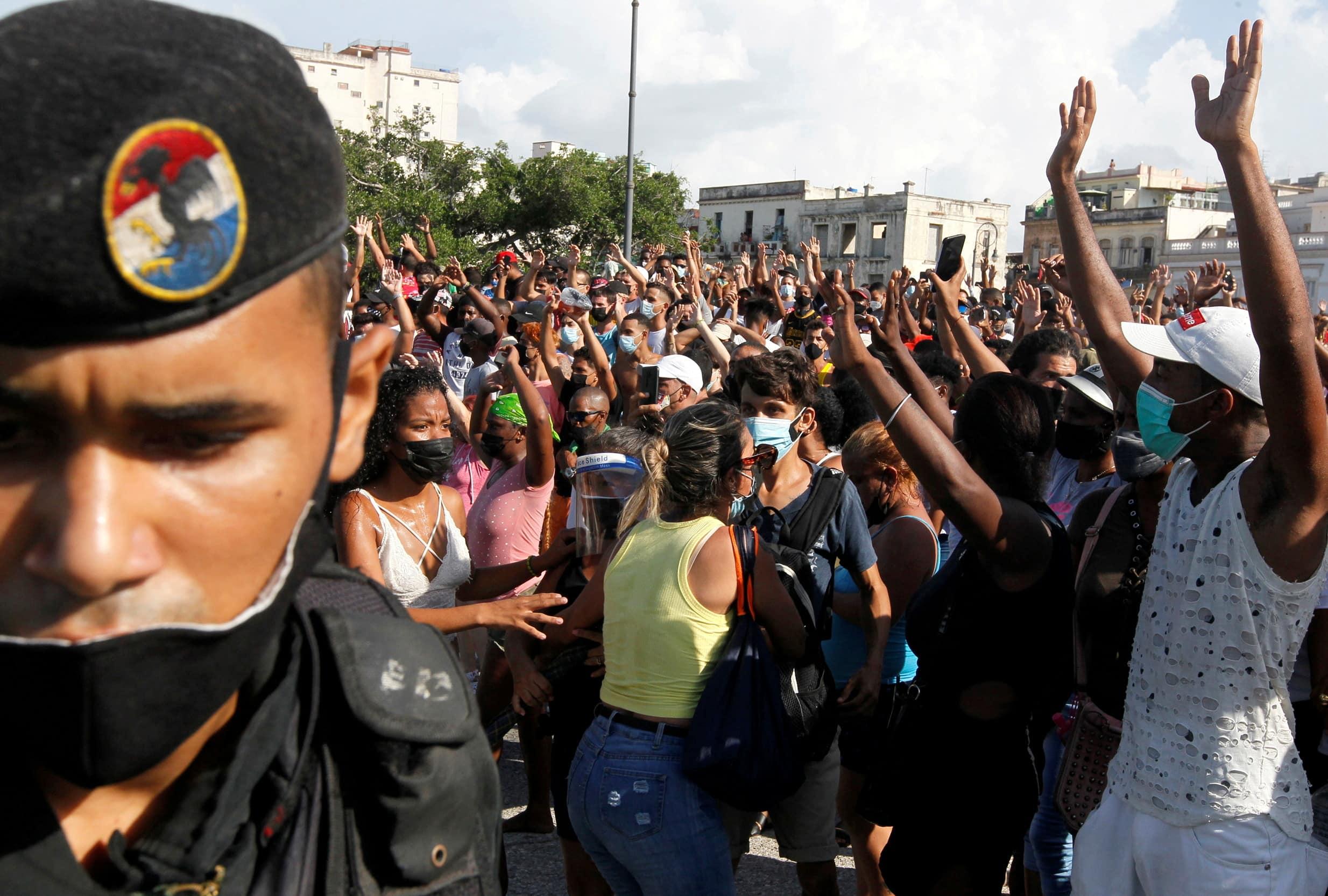 Image Manifestaciones en Cuba: «¡Habla con el pueblo!»